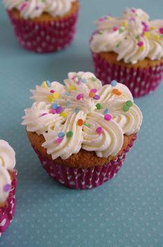 Funfetti cupcakes   I Love Cakes
