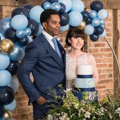 A Guide to having a Balloon Hoop at your special occasion. Balloon Display, Balloon Decorations, Wedding Color Schemes, Wedding Colors, Blue Wedding, Wedding Day, Blue Bunting, Barn Wedding Inspiration, Small Balloons