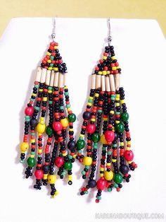 Boucles d'oreilles d'inspiration rasta en perles d'achira et de rocaille.