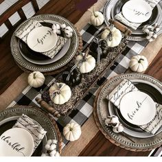 20 Best Buffalo Check Fall Decor More from my site 20 besten Buffalo Check Herbst Dekor – Buffalo Check: Black & White Year-Round Home Decor Ideas Buffalo Check Decor Pomysły na dekoracje świąteczne, jesienne i całoroczne Orange & Gray Fall Tablescape Thanksgiving Table Settings, Thanksgiving Decorations, Seasonal Decor, Fall Table Settings, Place Settings, Halloween Table Settings, Setting Table, Everyday Table Settings, Thanksgiving Pictures