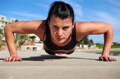 Spring is sprung, and it's about time to bare your arms again. Are you ready? If not, take a look at the top 6 best exercises for flabby arms before summer. Outdoor Workouts, Fun Workouts, Tabata Training, Bicep Muscle, Neck Exercises, Flabby Arms, Hammer Curls, 20 Minute Workout, Home