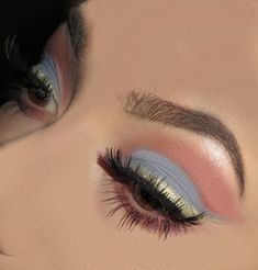 Pin by gisselle on make up in 2019 maquillaje sombras, maquillaje, maquilla Makeup Eye Looks, Cute Makeup, Pretty Makeup, Makeup Goals, Makeup Inspo, Makeup Inspiration, Makeup Ideas, Makeup Hacks, Makeup Tutorials