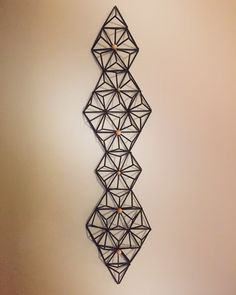 Geometry Triangles, Straw Crafts, Sri Yantra, Geometric Decor, Light Art, Diy Projects To Try, Paper Art, Art For Kids, Arts And Crafts