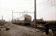 Rotterdam - Kleiweg, naast de Allan fabriek 12-10-1959, Mat36 449