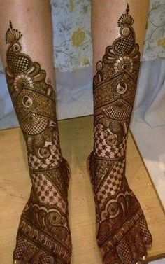 Contemporary yet traditional mehendi2017