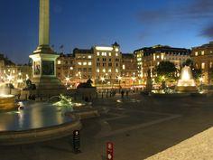 trafalgar square night - Google-Suche London Attractions, Trafalgar Square, Westminster, Big Ben, Mansions, Game, Night, House Styles, City
