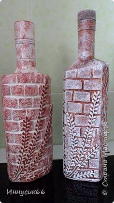 Декор предметов Лепка Бутылочки с кирпичной кладкой Бутылки стеклянные фото 1