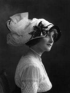 Dorrie Keppel ~ by Bassano, 1911