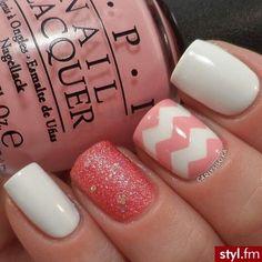 Cute nail combo!! Love the chevron pattern :)