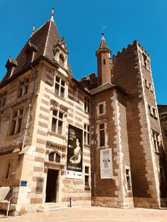 in Agen Barcelona Cathedral, Louvre, France, Mansions, House Styles, Building, Travel, Fine Arts Museum, Wealth