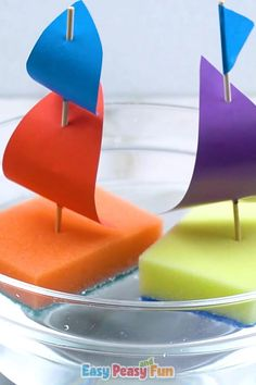 Temperatures sure are rising so if you are in a search of a fun activity to cool with this sponge sailboat craft is just a thing to do with the kids. Toddler Learning Activities, Craft Activities For Kids, Preschool Activities, Boat Craft Kids, Preschool Transportation Crafts, Child Development Activities, Painting Activities, Spanish Activities, Paper Crafts For Kids