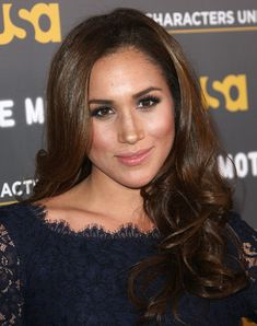 Meghan Markle Long Curls - Meghan Markle showed off a glamorous wavy 'do during USA Network's 'A More Perfect Union' event.