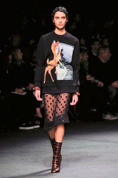 Bambi, la estrella de las sudaderas, de Givenchy
