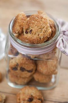These oat and raisin cookies are delicious. Oat And Raisin Cookies, Golden Syrup, Dried Fruit, Dessert Recipes, Desserts, Melted Butter, Kitchen Recipes, Tray Bakes, Bakery