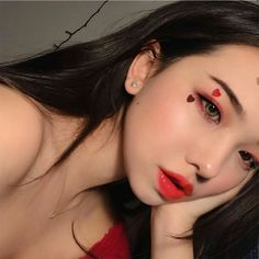 ulzzang girl girls woman women aesthetic korean japanese chinese beauty pretty beautiful lifestyle ethereal beauty girls east asian minimalistic grunge soft pastel light cute adorable r o s i e Asian Makeup, Korean Makeup, Korean Beauty, Asian Beauty, Cute Makeup, Makeup Art, Hair Makeup, Makeup Hacks, Aesthetic Makeup