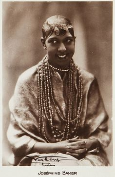 jockohomo: Josephine Baker (France, French Postcard Photo X Vintage sepia toned postcard, studio name in the lower portion of the card. African American Makeup, African American Hairstyles, African American History, Josephine Baker, Photo Vintage, Vintage Photos, Scooter Peugeot, Rosa Parks, Reproduction