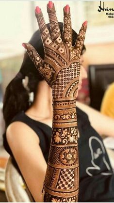 Explore the list of best and trending mehndi designs for every occasion. Latest mehndi designs for your wedding or any other events Henna Hand Designs, Mehndi Designs Finger, Wedding Henna Designs, Indian Henna Designs, Engagement Mehndi Designs, Latest Bridal Mehndi Designs, Legs Mehndi Design, Full Hand Mehndi Designs, Mehndi Designs 2018