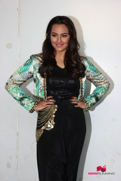 Sonakshi Sinha Snapped On The Sets Of Indian Idol