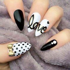 Nail art Per San Valentino in Toni Bianco e Nero