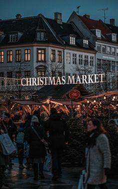 Christmas Feeling, Christmas Makes, Merry Little Christmas, Cozy Christmas, Christmas Time, Xmas, Christmas Phone Wallpaper, Winter Wallpaper, Christmas Wonderland