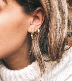 Opal Stud Earrings, Opal Lotus Flower Jewelry, October Birthstone Jewelry, Raw Fire Opal and Silver Flower Jewelry, Uncut Gemstone Studs - Fine Jewelry Ideas Piercings Bonitos, Spiderbite Piercings, Bellybutton Piercings, Peircings, Diy Jewelry Unique, Cute Jewelry, Jewelry Ideas, Boho Jewelry, Piercing Anti Helix