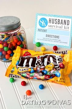 Husband Survival Kit with M&M's #KitSurvivalGift Birthday Present For Husband, Valentine Gifts For Husband, Birthday Gift For Him, Christmas Gift For You, Diy Gifts For Boyfriend, Sweet 16 Birthday, Husband Birthday, Birthday Crafts, Birthday Presents