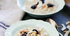 Suloisen pehmeä tuorepuuro chia-siemenistä ja kookosmaidosta on pullollaan superruokia: kauraa ja chia-siemeniä. Katso resepti!