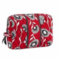 Vera Bradley Large Cosmetic Bag in Deco Daisy Large Cosmetic Bag, Travel Cosmetic Bags, Makeup Bag Essentials, Makeup Store, Makeup Tips, Makeup Ideas, Best Makeup Products, Hair And Nails, Vera Bradley