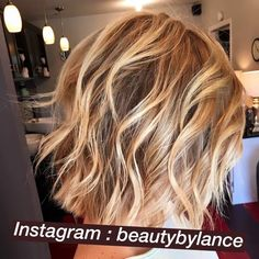 by Lance Wright - Balayage Haare Blond Kurz Hair Color Highlights, Blonde Color, Love Hair, Great Hair, Medium Hair Styles, Short Hair Styles, Blonder Bob, Short Curls, Corte Y Color