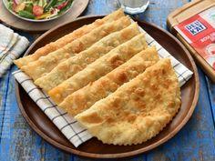 Suberek cu carne de miel / Placinte turcesti – reteta video Apple Pie, Food Porn, Food And Drink, Ice Cream, Cake, Desserts, Dessert Recipes, Honey, Kitchens