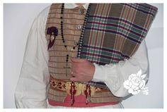 Traje de fallero Siglo XVIII de la tienda y taller de confeccion de indumentaria Aguas de Marzo® en Valencia