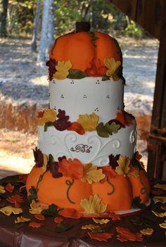 4 stufen torte mit zwei kürbissen