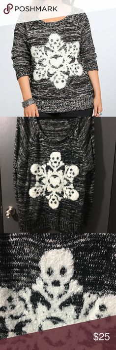 Torrid Skull Sweater A Skull snowflake?! Yasssss! ❄️ perfect for Halloween and Christmas!! torrid Sweaters Crew & Scoop Necks