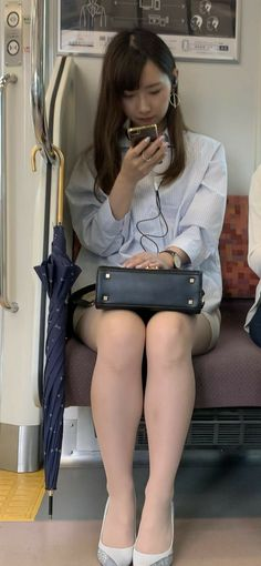 Fitted Skirt, Korean Model, Japanese Girl, Sexy Legs, Asian Beauty, Girls Dresses, Beautiful Women, Female, Lady