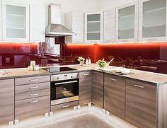 Modern matt elemes konyhabútor összeállítás lacobel üveghátfallal Sarok…