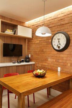 Apartamento de 120 m² no Rio de Janeiro / Carmen Zaccaro e Marise Kessel #brick #tijolinho #wall