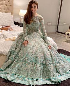 Asian Bridal Dresses, Pakistani Dresses Casual, Pakistani Wedding Outfits, Indian Bridal Outfits, Wedding Dresses For Girls, Pakistani Dress Design, Party Wear Dresses, Indian Dresses, Walima Dress