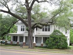 The property 253 E Peace St, Canton, MS 39046 is currently not for sale on Zillow. View details, sales history and Zestimate data for this property on Zillow. Screened In Porch, Porch Swing, Old Houses For Sale, Old House Dreams, Wainscoting, Double Doors, Stairways, Bed And Breakfast, My House