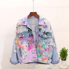 Customised Denim Jacket, Custom Denim Jackets, Painted Denim Jacket, Painted Jeans, Painted Clothes, Girls Denim Jacket, Denim Fashion, Fashion Outfits, Denim Ideas