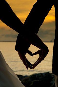 cute wedding photos - Page 68 of 100 - Cute Wedding Ideas Wedding Fotos, Beach Wedding Photos, Beach Wedding Photography, Pre Wedding Photoshoot, Wedding Shoot, Couple Photography, Dream Wedding, Sunset Beach Weddings, Wedding Ideas