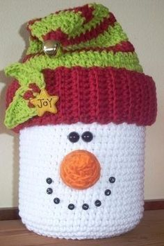 Snowman Cookie Jar Crochet Pattern by carriesclutter on Etsy, $4.99 Or make into toilet paper roll cover ?!?