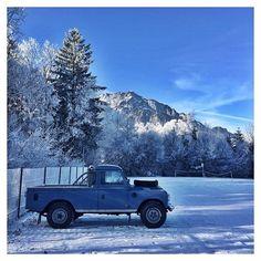 #landrover109 #109pickup #landrover #landroverseries #landroverlove #landroverseries3 #landroverseries3pickup #defender #parking #winterwonderland #landroverlife #landroverphotoalbum #serieslandrover #landroverdefender #winter #untersberg #salzburg #salzburgerland #austria #visitaustria #winterwonderland #snow #photography #picoftheday #photooftheday #igersaustria #myaustria #discoveraustria