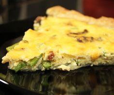 Quiche med asparges og cheddar