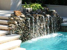 Sie sollten zuerst den richtigen Ort für Ihren Wasserfall im Garten bestimmen. Berücksichtigen Sie dabei die Kriterien auf der Checkliste, die wir gerade...