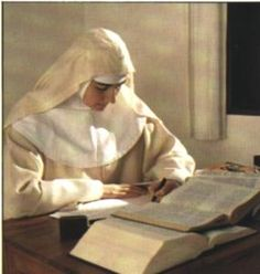 For centuries, the Celtic nuns of Ireland wore white garments like those of their duridic predecessors rather than the traditional Roman Catholic black. Catholic Art, Roman Catholic, Religious Art, Religion, Trinidad, Nuns Habits, Bride Of Christ, Santa Teresa, Christian Faith