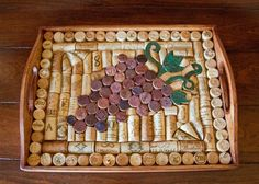Wood and wine cork serving tray with a stunning by CovetedCorks, $78.95 - #Cork #CovetedCorks #serving #stunning #tray #wine #wood Wine Cork Frame, Wine Cork Art, Wine Bottle Art, Wine Bottle Crafts, Wine Corks, Bottle Caps, Wine Craft, Wine Cork Crafts, Red Wine Stains