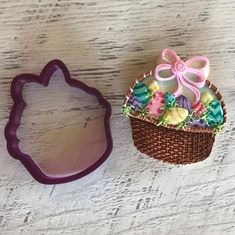 """278 Likes, 9 Comments - Bobbi Barton (@bobbiscookies) on Instagram: """"I've been waiting for someone to decorate our Easter basket for over a year. @ashley_sugarmama…"""""""