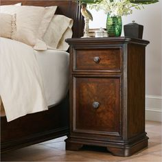 Continental-Telephone Table in Barrel - 128-13-81 - night stand - bedroom - Stanley Furniture