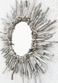 Love this DIY driftwood mirror! Wish I had collected less shells and more driftwood! Love this DIY driftwood mirror! Wish I had collected less shells and more driftwood! Driftwood Mirror, Diy Mirror, Mirror Ideas, Driftwood Wreath, White Mirror, Driftwood Headboard, Driftwood Jewelry, Twig Wreath, Driftwood Art