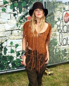 Drew Barrymore festival fashion #clothing #hat #actress